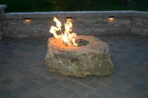 fireboulder-outdoor-firepit-fire-pits-fire-place-fire-boulder