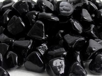 black-diamond-zircon-glass-fire-boulder-fire-pit-fireglass-fireplace