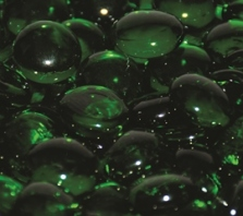 emerald-green-firebeads-glass-fire-boulder-fire-pit-fireglass-fireplace