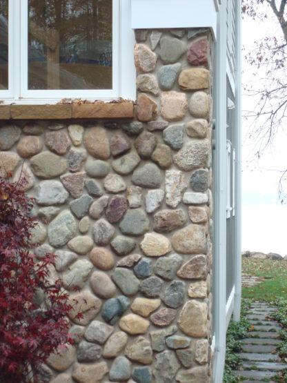 indiana-granite-boulder-veneer-building-stone-cobbles-indiana-fieldstone-fireboulder-natural-building-stones_1