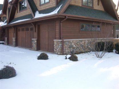 indiana-granite-boulder-veneer-building-stone-cobbles-indiana-fieldstone-fireboulder-natural-building-stone-custom-home