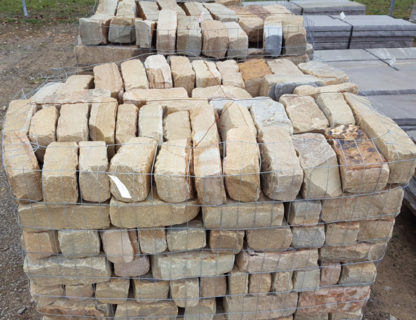 fireboulder-tennessee_tumbled_cobbles_natural_stone_walkway_stone_driveway_brown_tan_tumbled_cobbles-1