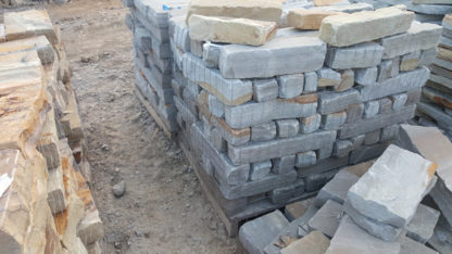 tennessee-quarry-blue-sandstone-edgers-tumbled-gray-natural-stone-patio-walkway-edging-2