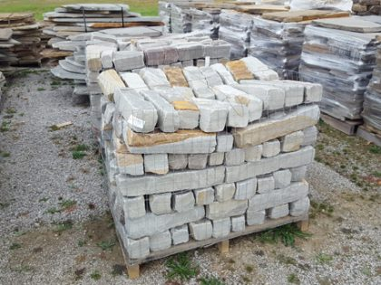 tennessee-quarry-blue-sandstone-edgers-tumbled-gray-natural-stone-patio-walkway-edging