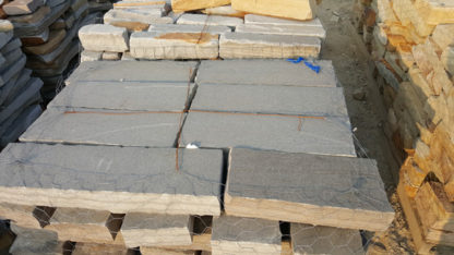 tennessee-quarry-blue-sandstone-gray-drystack-wall-rock-8-inch-wall