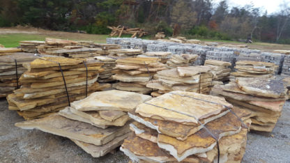 tennessee-quarry-brown-sandstone-flagstone--mega-slabs-tan-natural-stone-patio-walkway-2