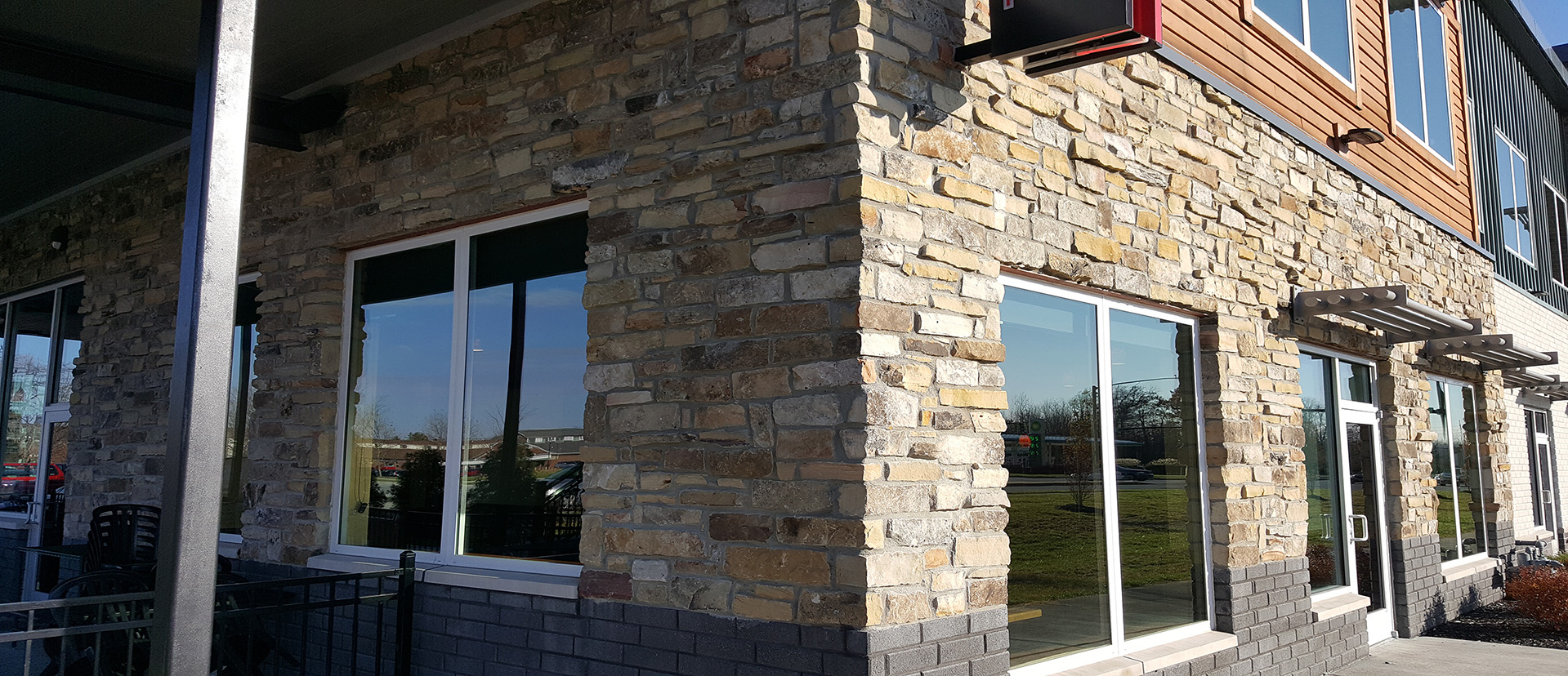 fireboulder_natural_stone_veneer_building_stone_tennessee_fieldstone_split_stack_sunset_indiana