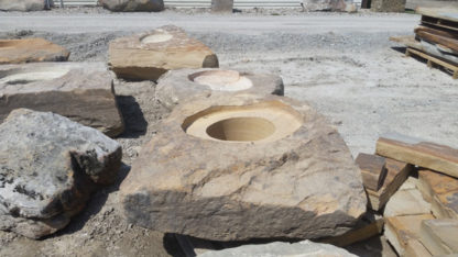 1042a_auto_fireboulder_natural_stone_fire_pits_4