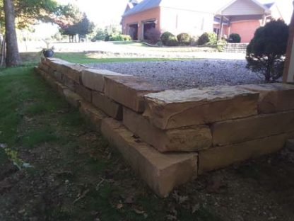tennessee-brown-tan-retaining-wall-cleft-snapped-wall-fireboulder-natural-stone-step-tn