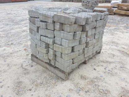 tennessee-gray-blue-tumbled-cobblestone-driveway-bricks-fireboulder-natural-stone-step-tn